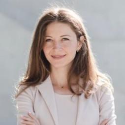 https://www.cm-immobilien.de/wp-content/uploads/2020/12/business-woman.jpg